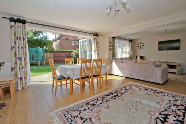 Thumbnail Bungalow to rent in Three Oaks Close, Ickenham