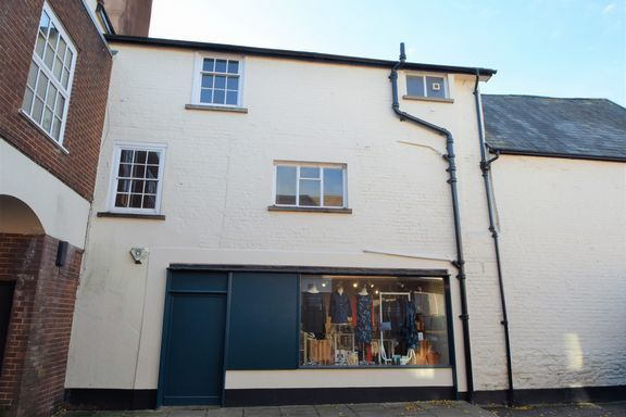 Thumbnail Maisonette to rent in Bampton Street, Tiverton