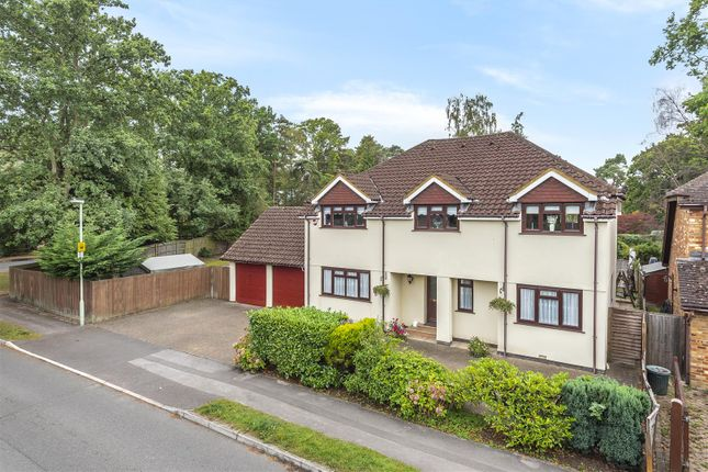 Thumbnail Detached house for sale in Hillary Drive, Crowthorne, Berkshire