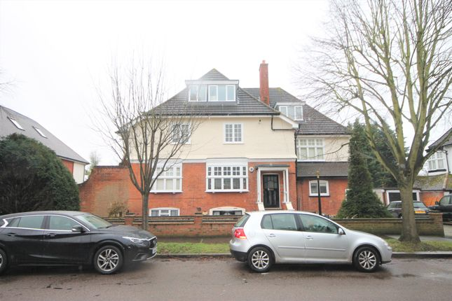 Thumbnail Flat to rent in Park Hill, Bickley, Bromley