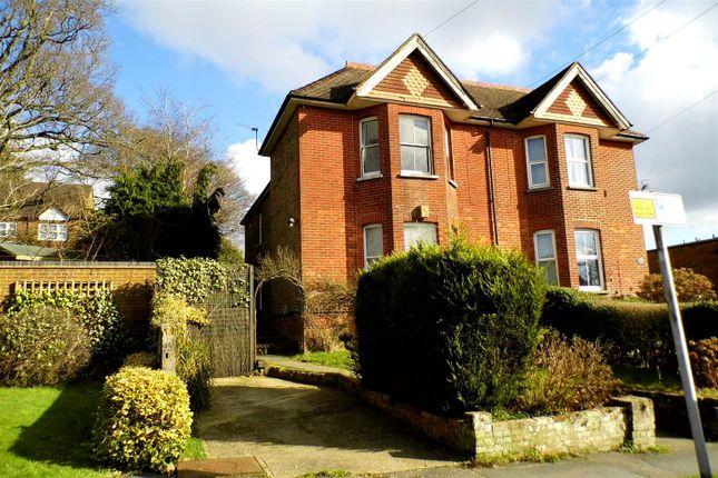 2 bed flat to rent in Streatfield Road, Heathfield TN21