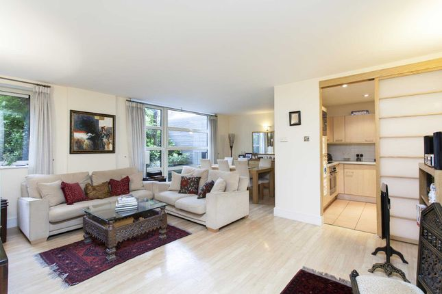 Thumbnail Flat to rent in Consort Rise House, 199-203 Buckingham Palace Road, Westminster, London