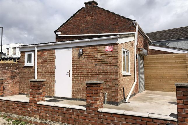 Thumbnail Commercial property to let in High Street, Coalville