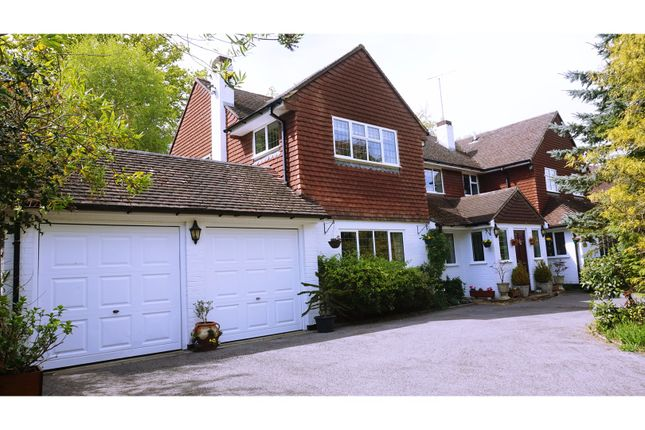 Thumbnail Detached house for sale in Seven Hills Close, Walton-On-Thames