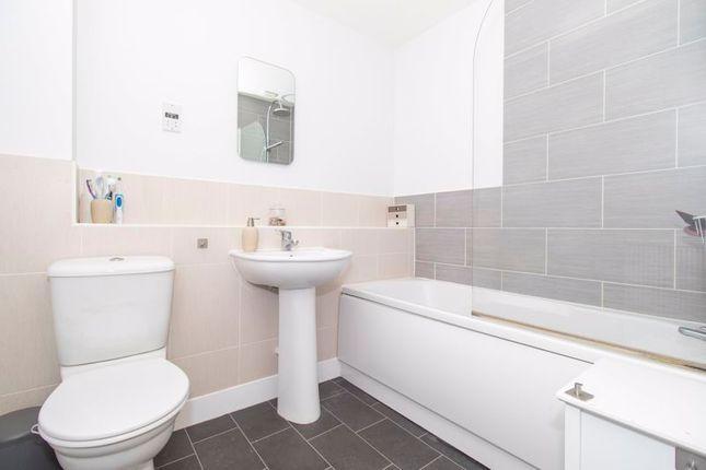 Bathroom of Weavers Mill Close, St. George, Bristol BS5