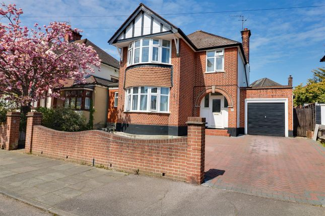 Thumbnail Property for sale in High View Avenue, Grays
