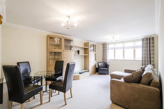 2 bed flat to rent in Folgate Street, London