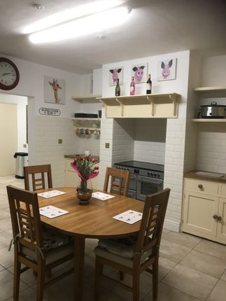Thumbnail Shared accommodation to rent in High Street, Royal Wootton Bassett, Swindon