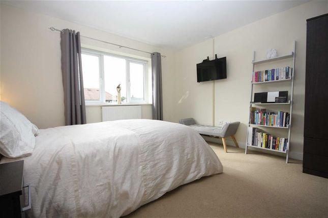 Bedroom One of Centurion Way, Leyland PR25