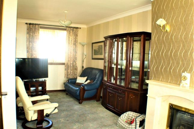 Lounge of Noble Avenue, Invergowrie, Dundee DD2
