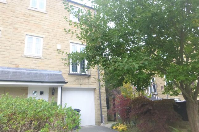 Thumbnail Town house to rent in 24 Ryestone Drive, Ripponden, Sowerby Bridge