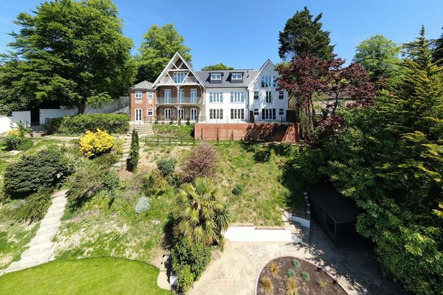 Thumbnail Flat for sale in Upper Valley View, 25 Westview Road, Warlingham, Surrey
