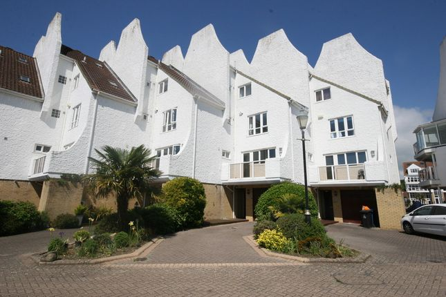 Thumbnail Town house to rent in Lake Avenue, Hamworthy, Poole