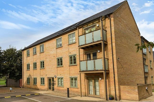 2 bed flat to rent in Starlings Bridge, Hitchin SG5