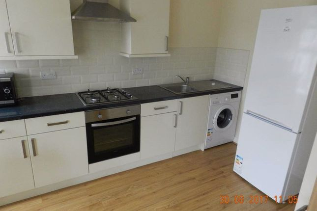 3 bed flat to rent in Gordon Road, Cathays, Cardiff CF24
