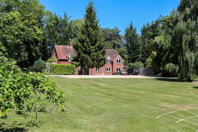 Thumbnail Detached house for sale in Mongewell Park, Mongewell, Wallingford