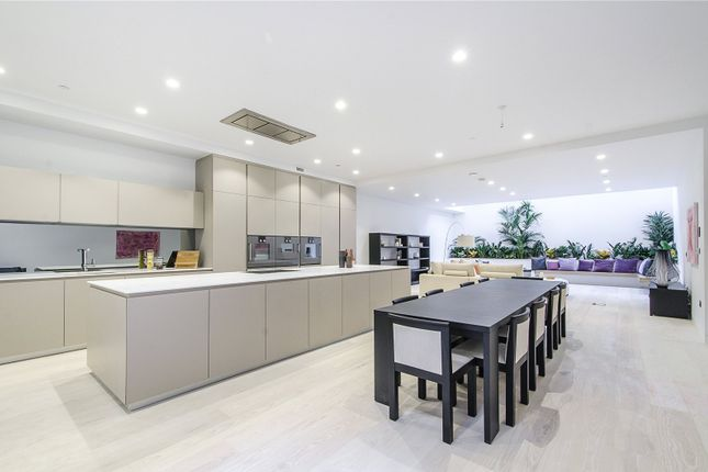 Thumbnail Maisonette for sale in Palfrey Place, London