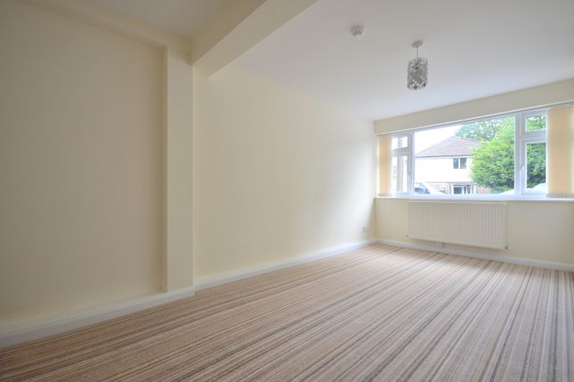 Thumbnail Town house to rent in Queens Road, Horley