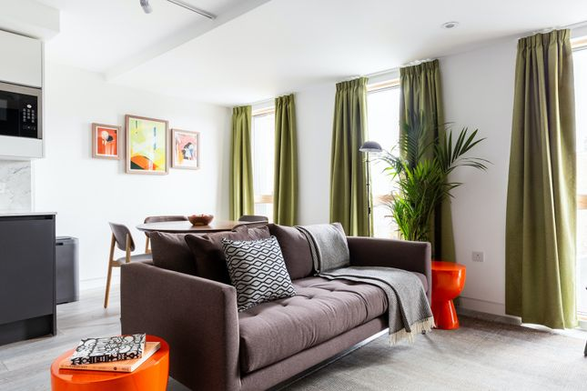 Thumbnail Flat to rent in Grange Street, Bridport Place, London
