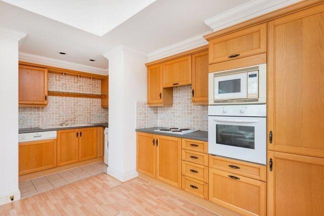 Thumbnail Flat to rent in Kennington Lane, London