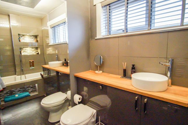 Bathroom of Ceres Crescent, Broughty Ferry, Dundee DD5