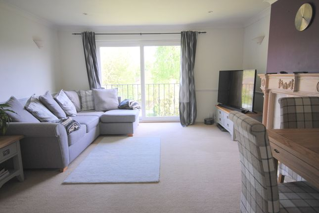 Thumbnail Maisonette to rent in Bluehouse Lane, Oxted