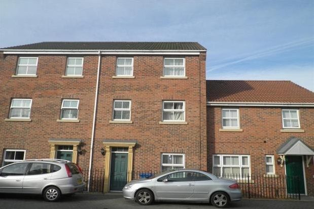 Thumbnail Semi-detached house to rent in Agate Court, Sittingbourne