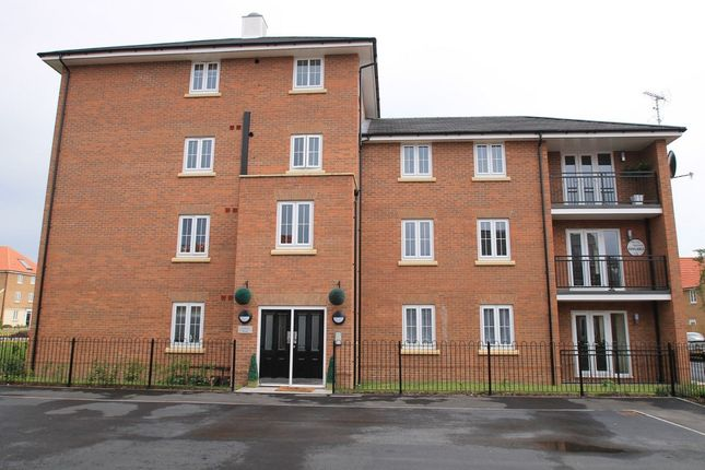 Thumbnail Flat to rent in Derwent Drive, Doncaster