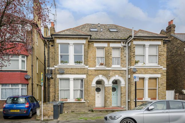 Thumbnail Flat to rent in Nightingale Road, Wood Green