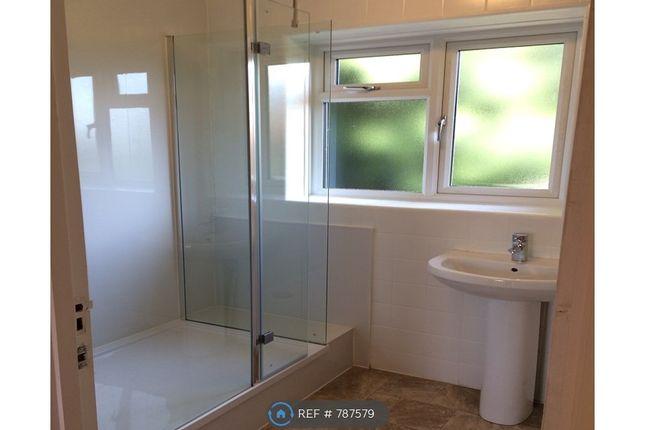 Bathroom of Hempstead Road, Watford WD17