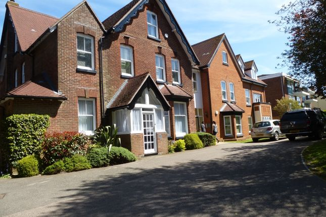 Thumbnail Flat to rent in Old Dover Road, Canterbury