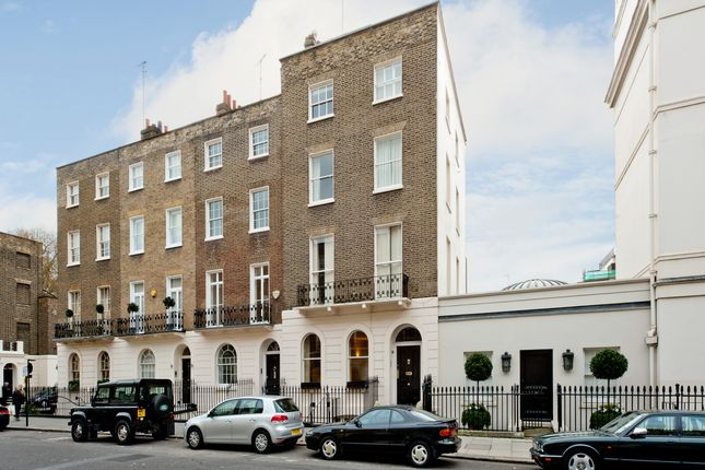 Thumbnail Flat for sale in Lower Belgrave Street, London