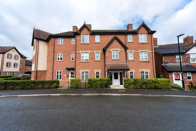 Flat for sale in Sandmoor Place, Lymm