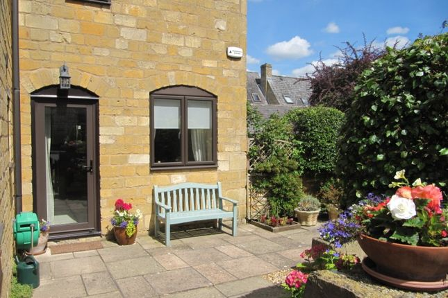 Thumbnail Flat for sale in Wolds End, Chipping Campden