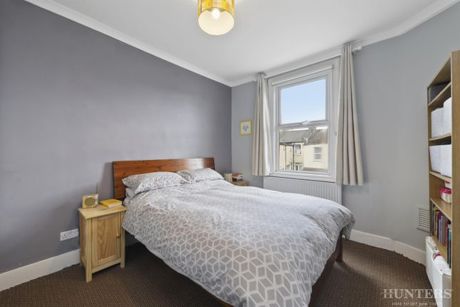 2 bed flat for sale in Kitchener Road, London N17