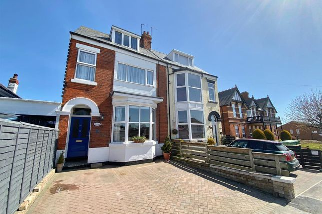Thumbnail Property for sale in Cliff Road, Hornsea