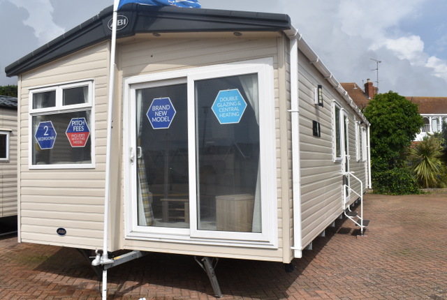 2 bed property for sale in Seaview Avenue, West Mersea, Colchester CO5
