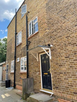 Thumbnail Flat to rent in New Road, Hillingdon