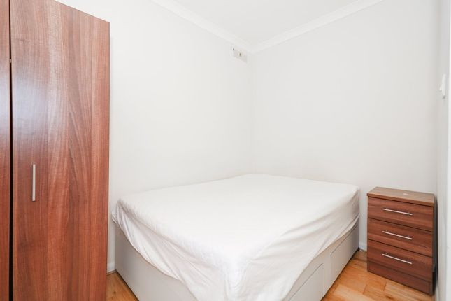 2 bed flat to rent in Caledonian Road, London N1