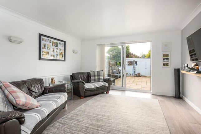 Reception of Tanners Close, Walton-On-Thames KT12
