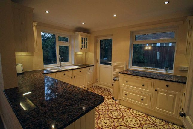 Thumbnail Detached house to rent in High Road, Chipstead, Coulsdon