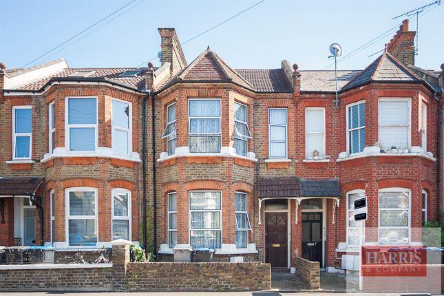 Thumbnail Property for sale in Bathurst Gardens, London