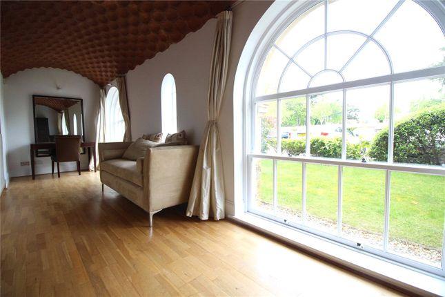 Picture No. 05 of Princess Park Manor, Royal Drive, Southgate, London N11