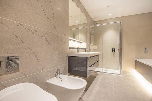 Bathroom of Dollis Avenue, London N3