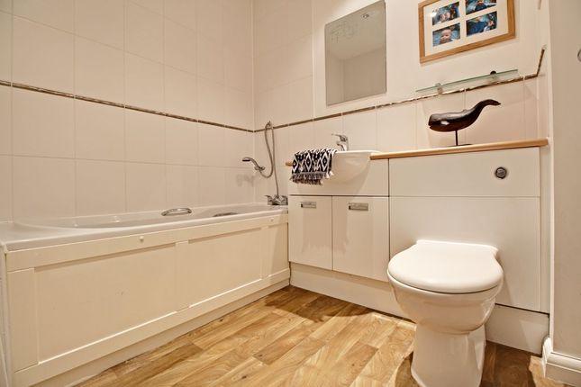 Family Bathroom of Gaiger Avenue, Sherfield-On-Loddon, Hook RG27