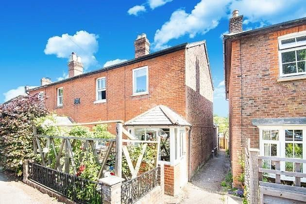 2 bed cottage to rent in Camelsdale Road, Haslemere GU27