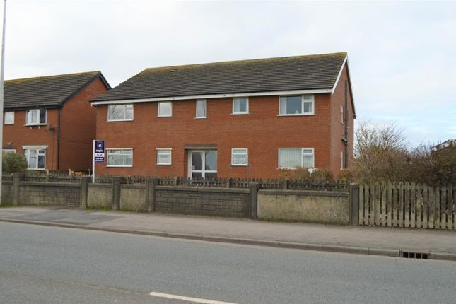 2 bed flat to rent in Osborne Grove, Thornton-Cleveleys FY5