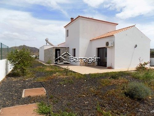 Thumbnail Chalet for sale in 296, Tuineje, Fuerteventura, Canary Islands, Spain