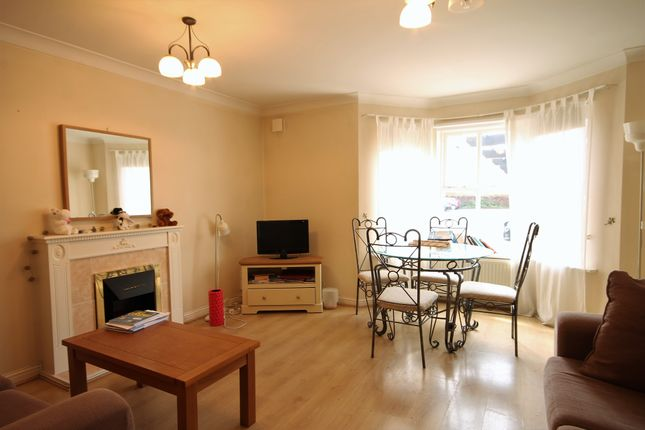 2 bed flat to rent in Sovereign Court, Sandyford, Newcastle Upon Tyne