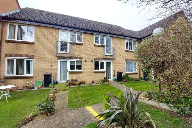 Thumbnail Flat for sale in Kimbolton Court, Peterborough